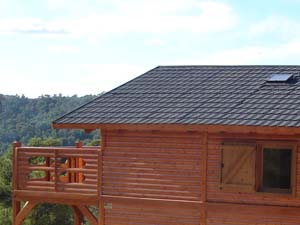 casas de madera con teja ligera